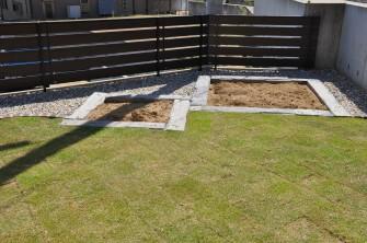 コンクリート枕木で作った畑