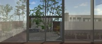 窓の外の庭