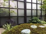 苔が映える和モダンスクリーン